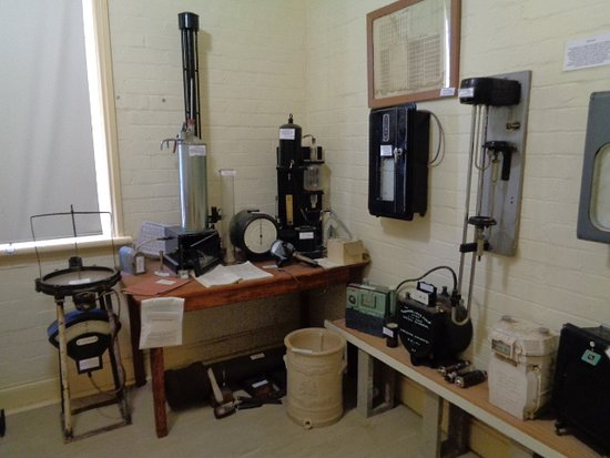Cootamundra Heritage Centre: Old measuring equipment for many things