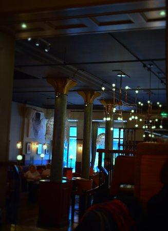 The Smokinu0027 Fox: Bar Area