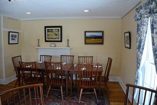 Flint Hill, VA: Upstairs Dining Room