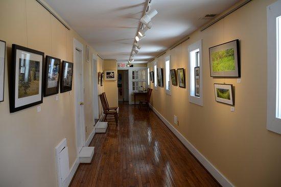 Flint Hill, VA: A small art gallery of photos.