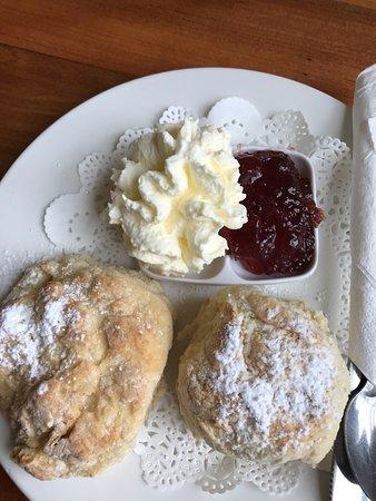 Mulgoa, Australien: Scones, jam & cream.