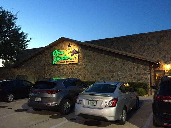 Olive Garden : Entrada do restaurante