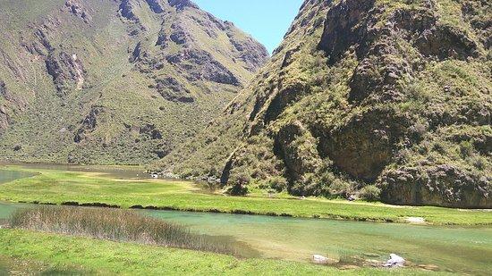 Huancaya, Peru: Laguna de Piquecocha