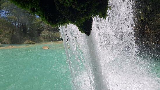 Las 3 Tzimoleras: conocerás el interior de la cascada