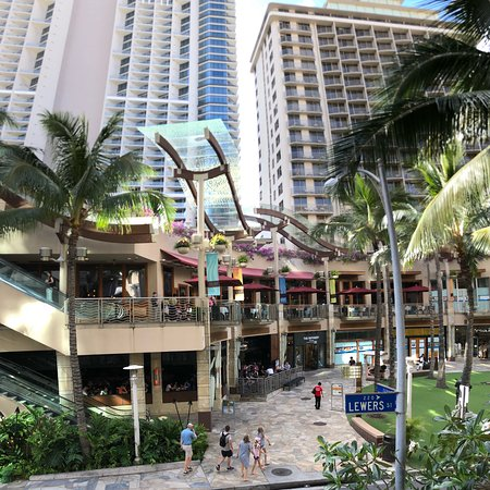 The wyndham waikiki beach wall was the best resort experience we ve ever had beautiful 1 bedroo for Wyndham waikiki beach walk 2 bedroom
