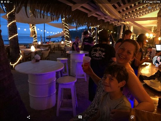 Gusto Beach: great family place at sunset