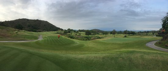 Banyan Golf Club: Beautiful Banyan Golf course. Definitely one of the top Thailand courses and number one in Hua H