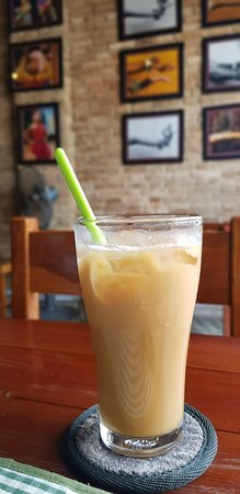 The Lonely Tree Cafe : Iced coffee