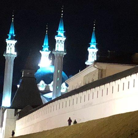 Казань удивляет своей самобытностью, где история соседствует с современностью, поражает, сколько