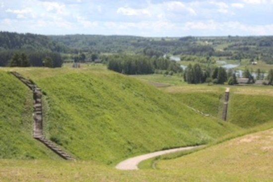Kernave, Lithuania: 遺跡の中を歩くことが出来ます。
