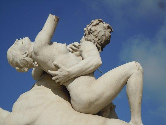 Statue Le Centaure Nessus enlevant Dejanire