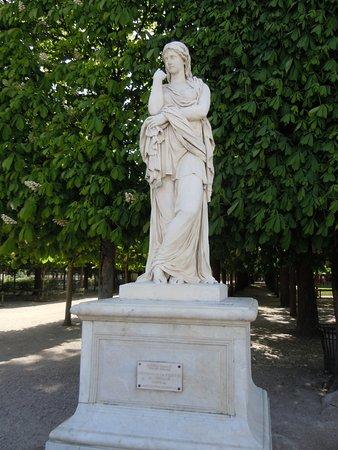 Statue Veturie