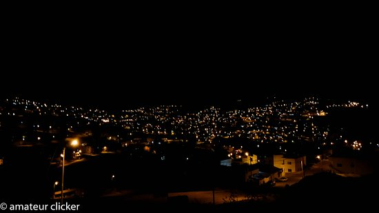 Petra Bed and Breakfast : Wadi Musa town at night from our room.