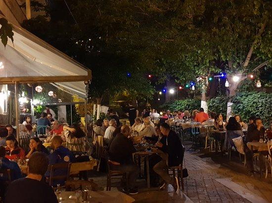 Agios Pavlos, اليونان: Άσυλο