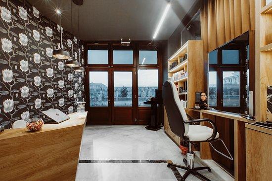 Idolo Beauty & Spa Salon