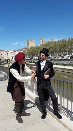 Les Visites Épiques: Nos 2 guides devant le canal de la Robine