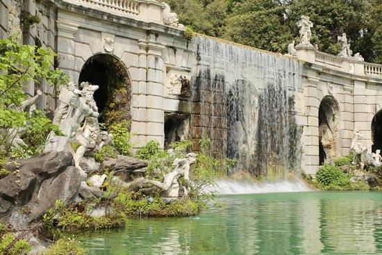 Giardini esterni picture of reggia di caserta caserta - Reggia di caserta giardini ...