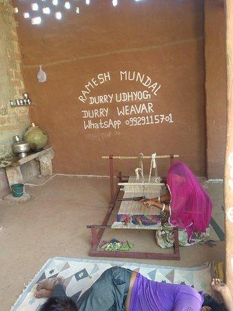 Salawas, Indie: Ramesh Mundal Durry Udhyog