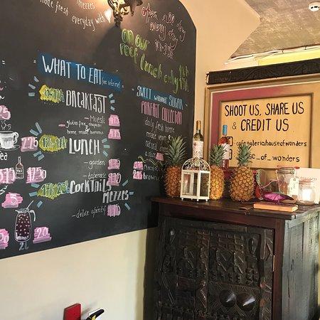 Cafe Galeria House of Wonders: photo1.jpg