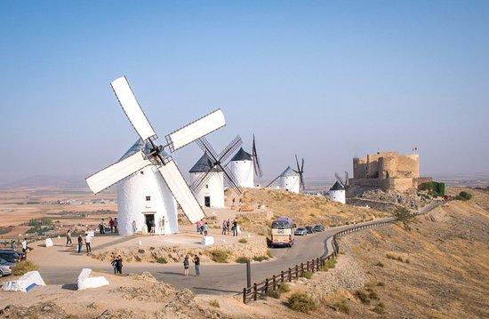 Consuegra, Španělsko: El molino Rucio durante la Molienda Diaria