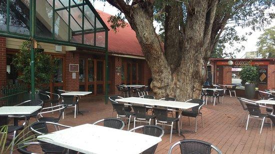 Gosnells, ออสเตรเลีย: Beer Garden