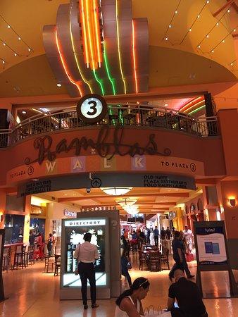 Dolphin Mall : dm1