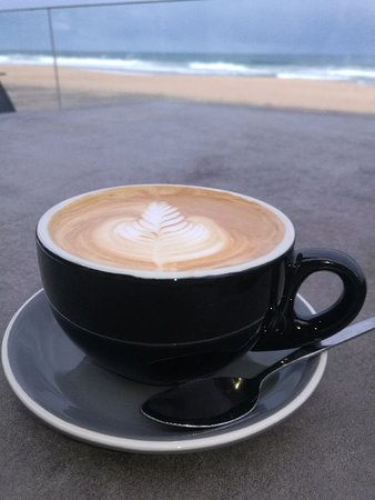 Thirroul, Australia: Coffee by the sea
