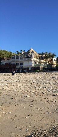 Alize Plage: L'hôtel vu de la plage