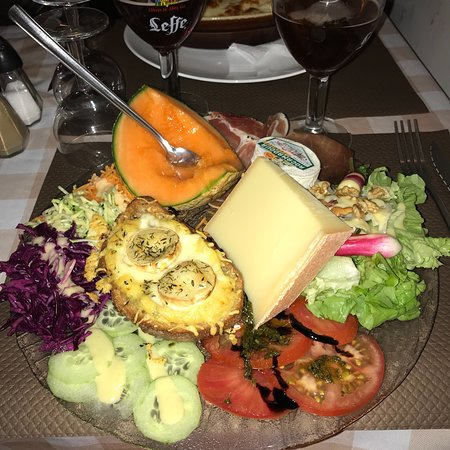 Le Petit Savoyard Restaurant Figeac