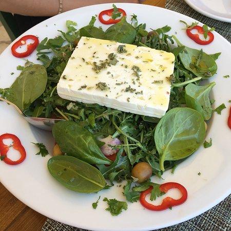 Avlakia, Griekenland: Yemekler taze ve lezzetli. Tasos arkadaşım ilgili,şarapları harika fiyatı gayet makul.