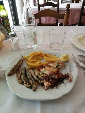 Anchoas y calamares - Restaurant Fonda Giralt (Amer-Girona)