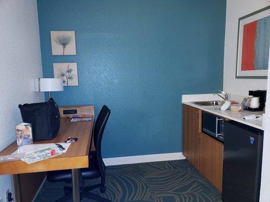 SpringHill Suites by Marriott Orlando Lake Buena Vista in Marriott Village: 20180429_182447_large.jpg