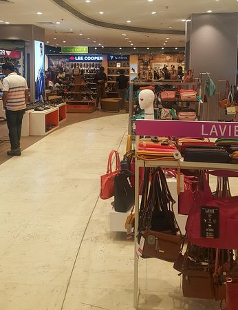 Exihibit in the Mall! - Picture of Center One Mall, Navi Mumbai