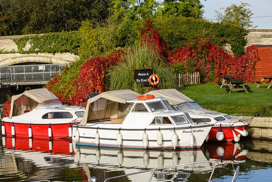 Lechlade, UK: Day Hire Boats