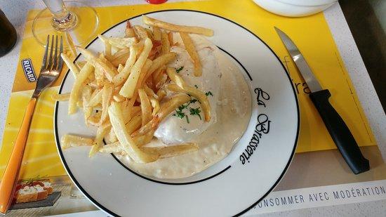Bailleul, فرنسا: Poulet sauce maroilles