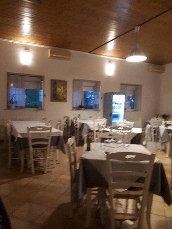 Erbe, Italy: 20180428_201933_large.jpg
