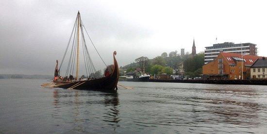 Tonsberg, Noorwegen: Saga Oseberg i Tønsberg Havn