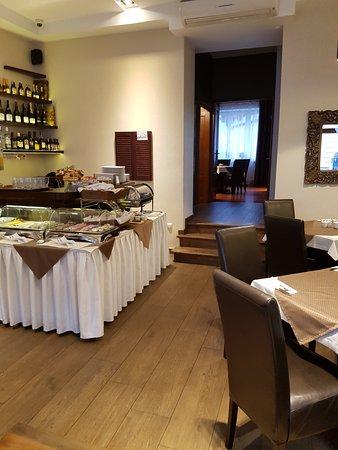 Hotel Columbus: breakfast room