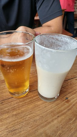 Fire and Ice Pizzeria: banana lassi and gorkha beer