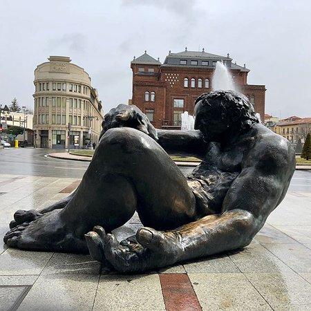 Estatua La Negrilla