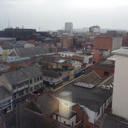 Ibis Belfast City Centre: H&W Cranes in the background