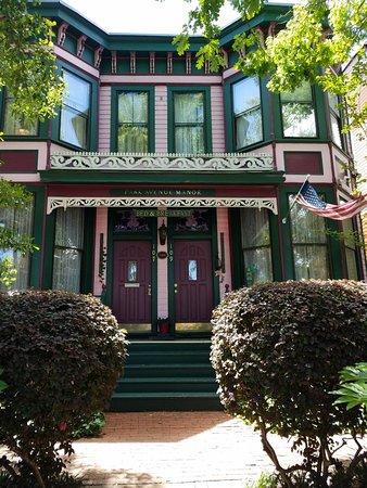 Park Avenue Manor: 20180425_124116_large.jpg