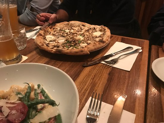 Rustico: Here is a sample of one of the pizzas and the gnocchi dish - yum!