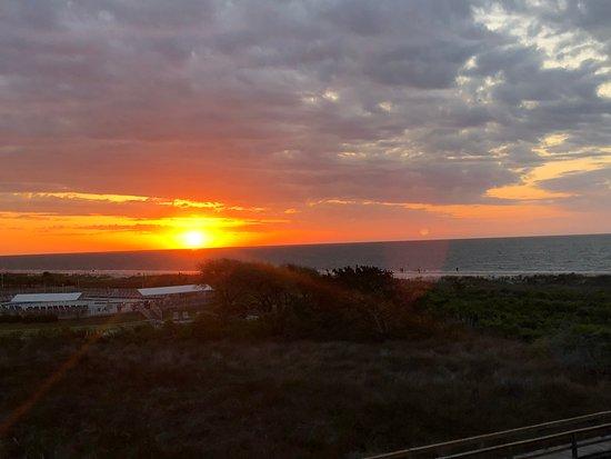 Hilton Head Island Beach & Tennis Resort: Sunrise from building A balcony 3rd floor