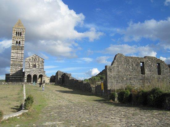Codrongianos, إيطاليا: Dispersa nella campagna sarda da piu di 900 anni.
