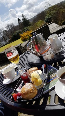 Cragwood Country House Hotel: Scones and coffee, only £7