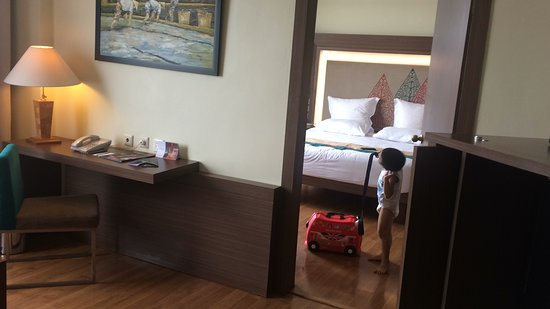Novotel Solo: He was happy and satisfied with the Room