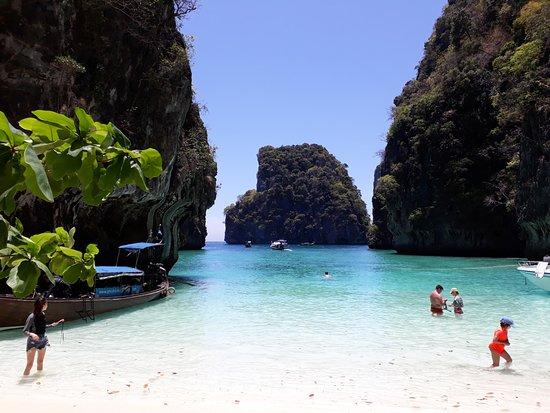 Loh Samah Bay