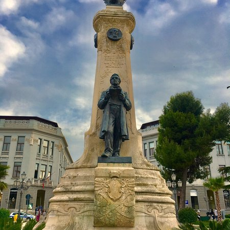 Monumento a Gabriele Rossetti