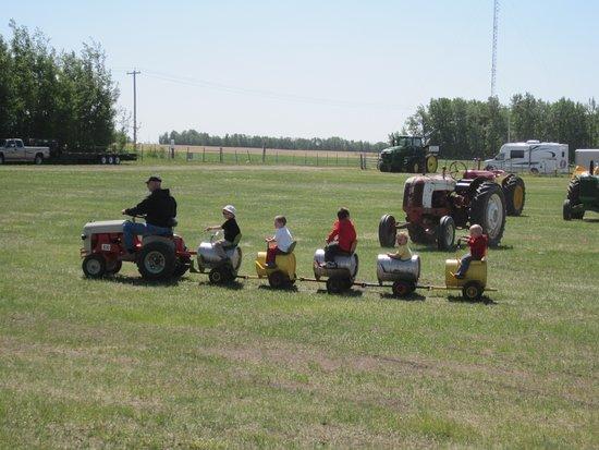 Westlock, แคนาดา: Tractor Show 2012